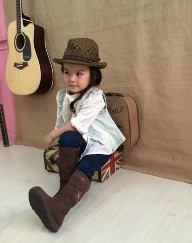儿童模特网成功推荐深圳莎菈拍摄韩国某童装品牌新品